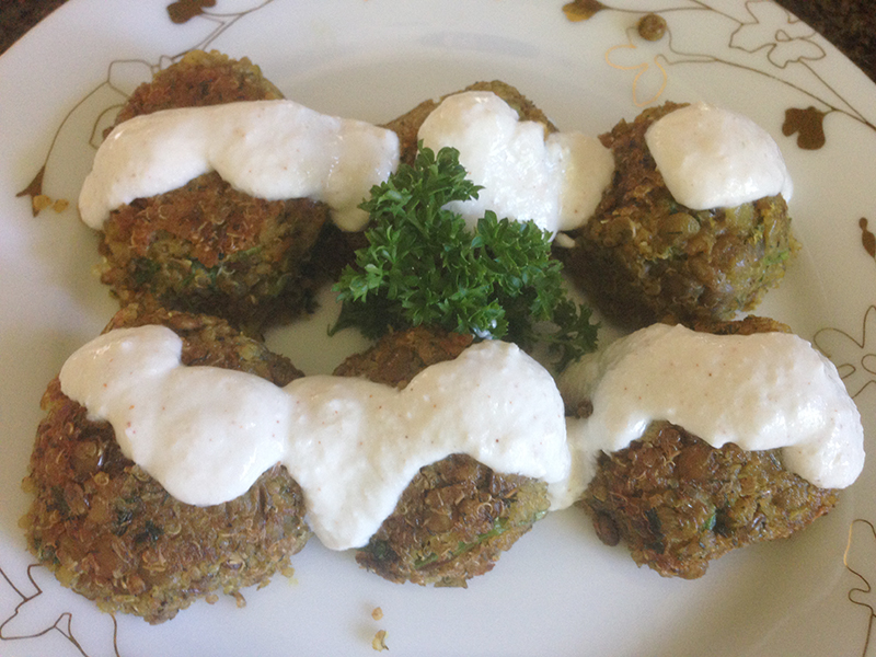 Quinoa and Lentils Meatballs with Yoguirt